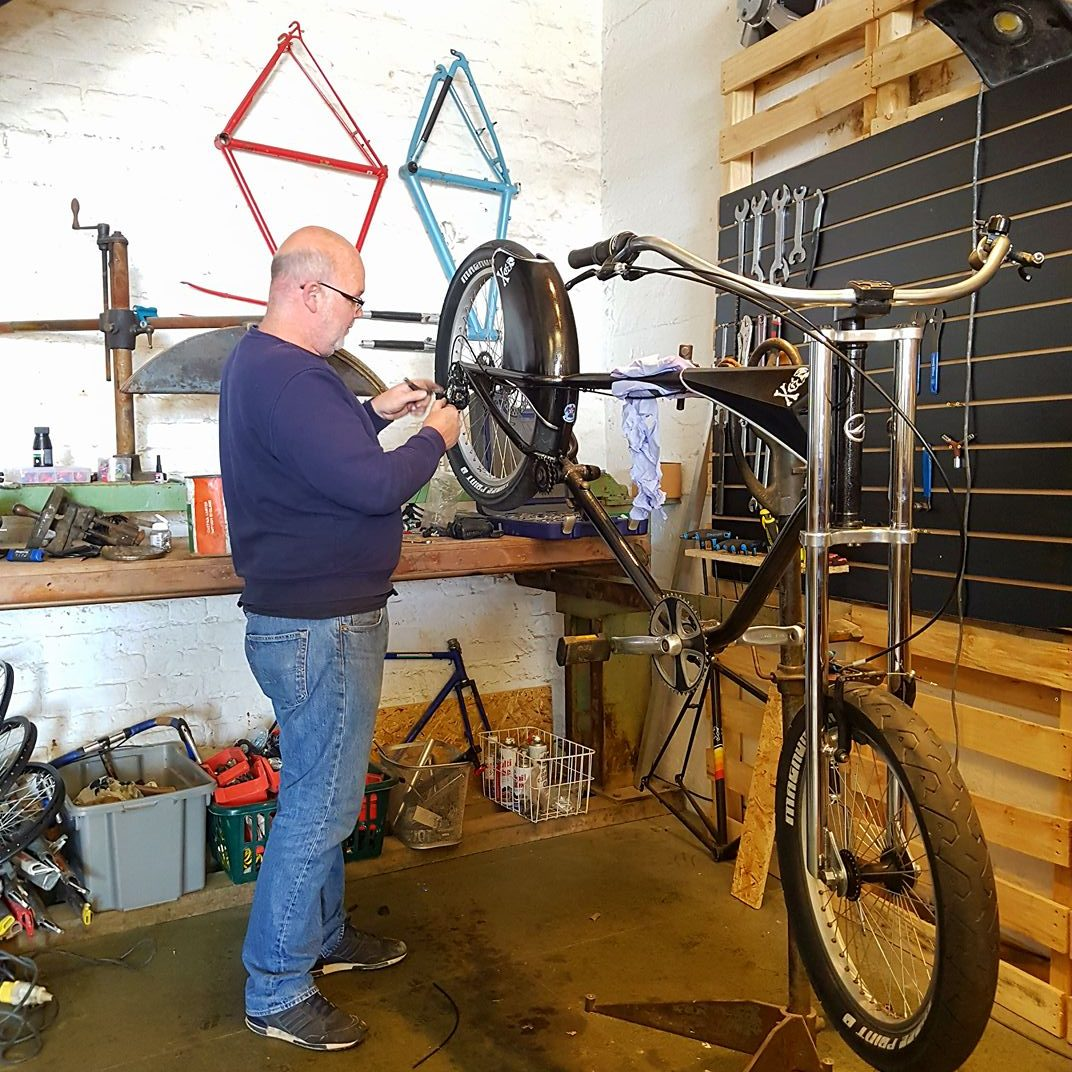 A Giant Bicycles cruiser being rebuilt by Toby